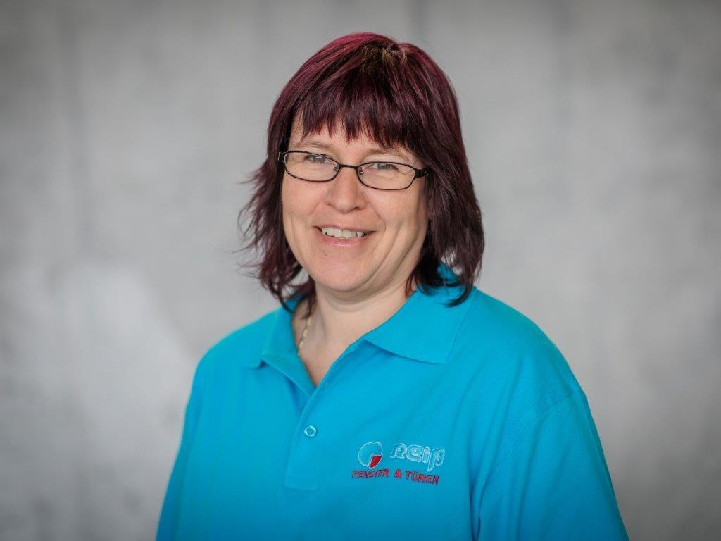 Ihre kompetenten Ansprechpartner in unserer Verwaltung: - Claudia Neusch Löhne + Buchhaltung